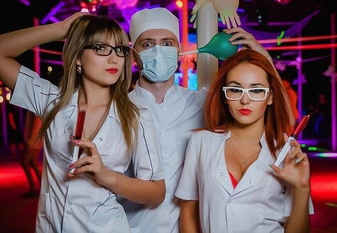 Сценарий нового года корпоратив медики